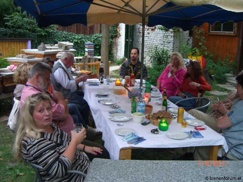 Letzte Sommergrillparty 2011 im Augarten 010 -a.jpg