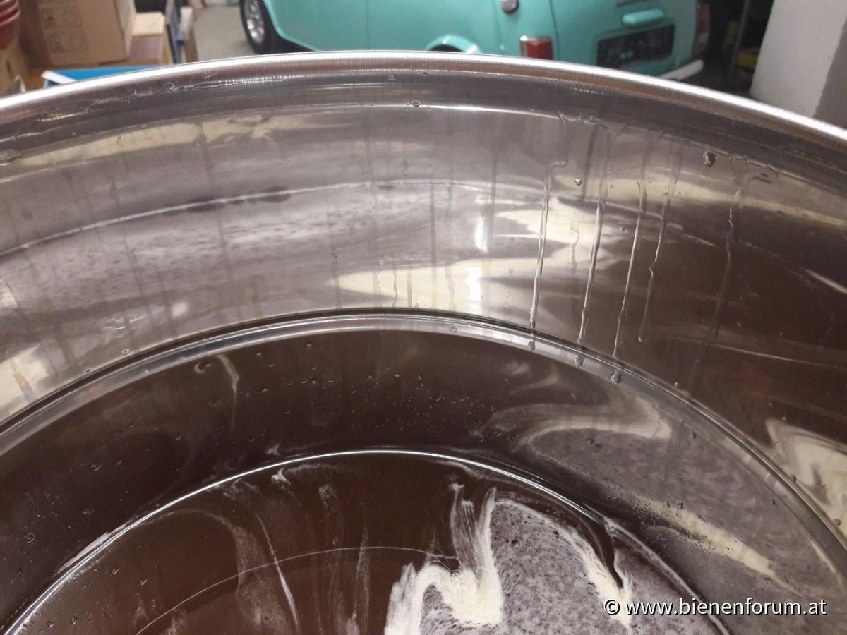 Kondenswasser im Abfülltopf